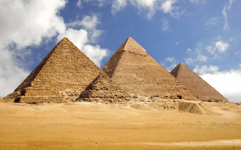 金字塔的景象.